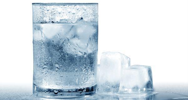 Agua gelada força o metabolismo a queimar caloria
