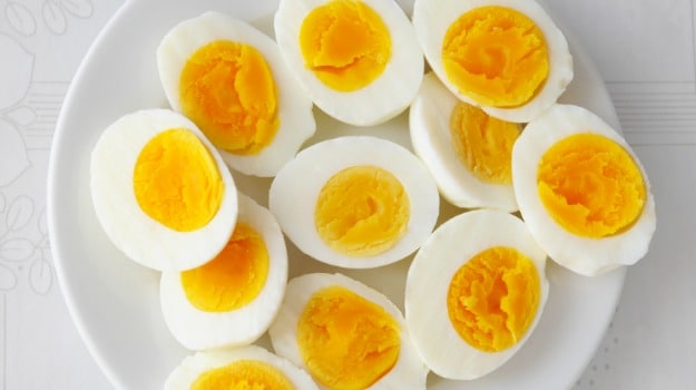 ovo com gema e clara
